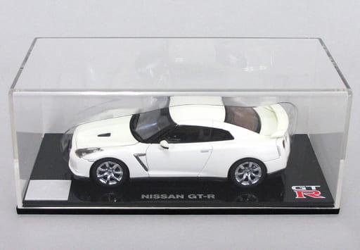 1/43 Nissan GT-R (R 5) White / Bonnet Trunk Opening / Closure Model [K05501W]