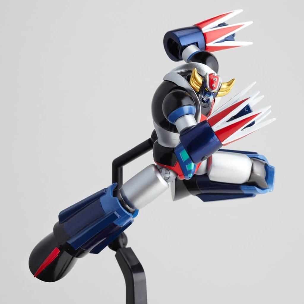 UFO Robot Grendizer Legacy of Revoltech Grendizer Action Figure LR-056