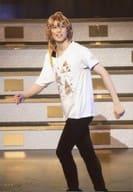 Hiroki Tagawa (shino) / Live Photo / Whole Body (Tarumi Slice) / Costume White / Black / Hands Fist / Body Left / Character Actor Shot / 「 Theater Shining from Utano Prince Sama Shining Revue 」 Performance Photos Trading Bromide